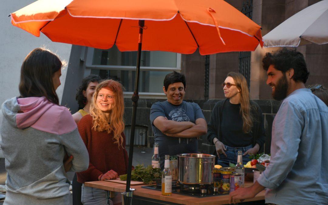 Meet Up und Snacks in der Veedelsküche
