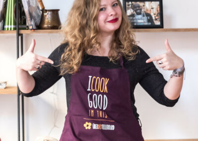 Kochschürze-ICookGoodInThis-Angezogen